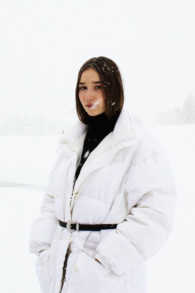 Stella Butz Clara Janka Portrait Photography Snow